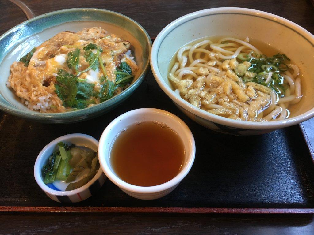 今日亭都島店の日替わり定食鶏つくね丼790円