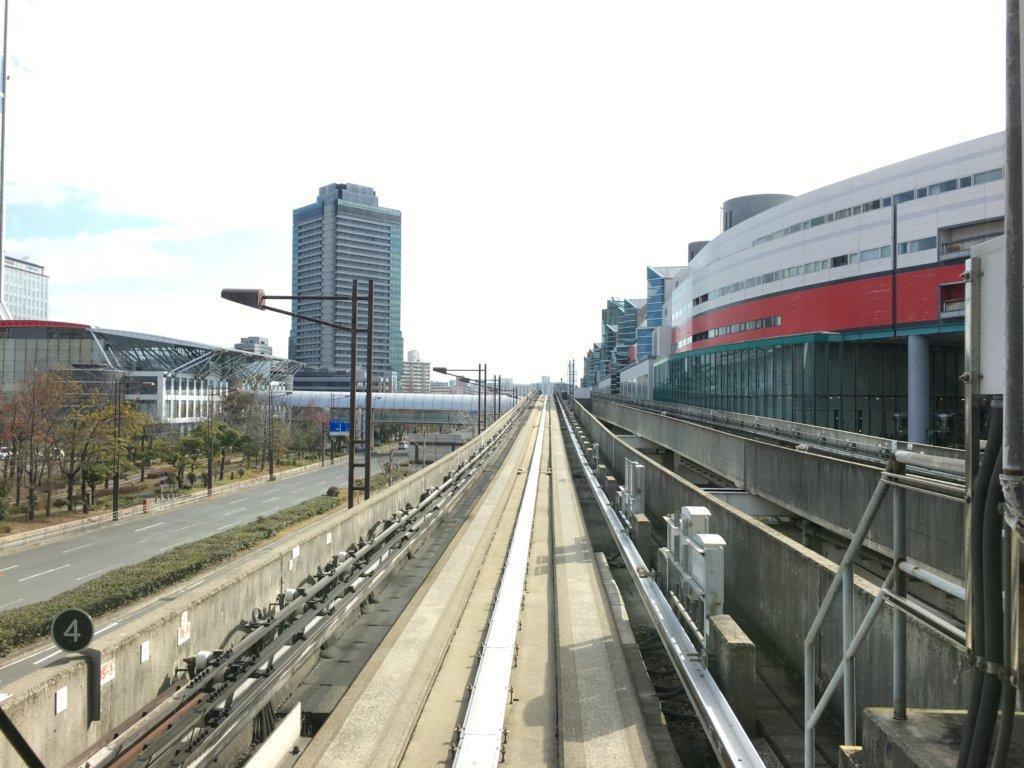 南港ポートタウン線(ニュートラム)先頭車両からの景色