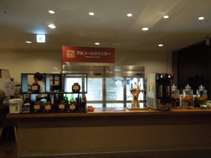 湯快リゾート白浜彩朝楽プレミアム、バイキングアルコールカウンター