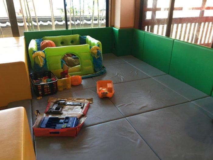 湯快のゆ門真店のキッズコーナー室内