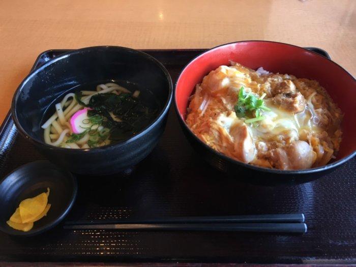 湯快のゆ門真店のご飯メニュー親子丼セット