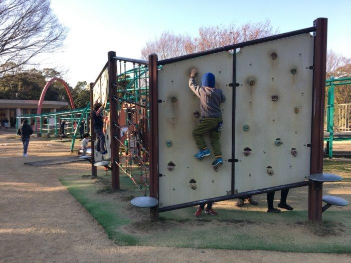 蜻蛉池公園、ボルダリング
