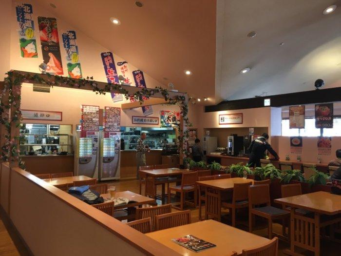 湯快のゆ門真店の食事場所