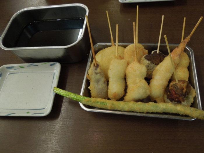 味の大丸のメニュー、串カツ盛り合わせ10本