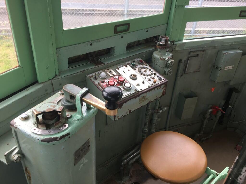 浜寺公園 交通遊園のチンチン電車運転席