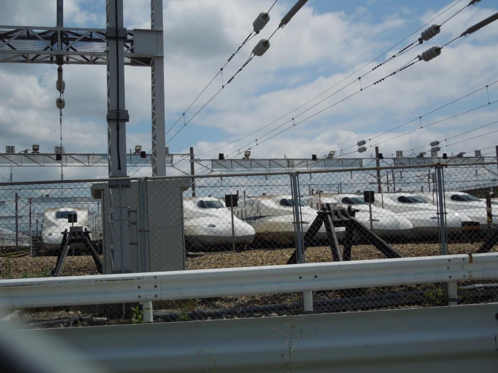 鳥飼車両基地の新幹線のぞみ