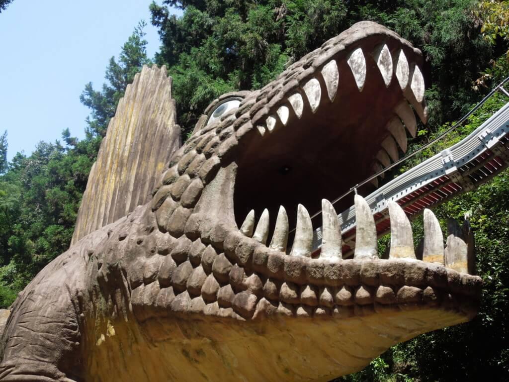 わんぱく王国阪南市恐竜すべり台
