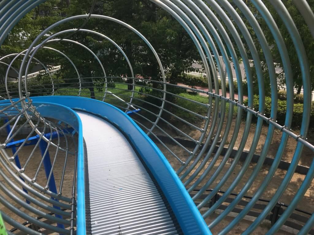 大阪城公園の遊具 子供天守閣遊遊スライダー
