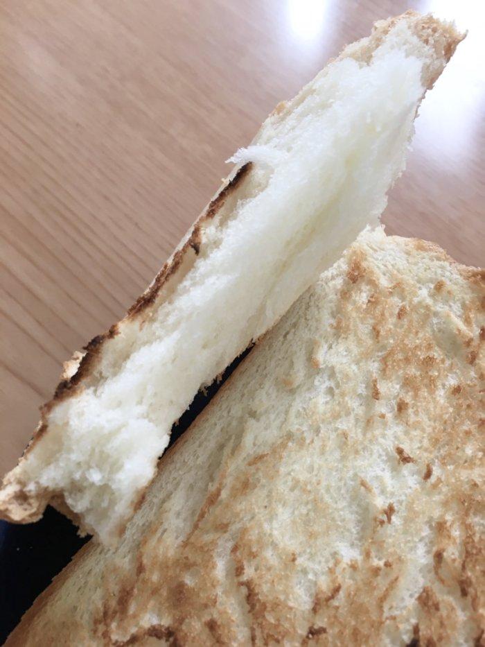 食パン専門店「高匠」の食パンを焼いた断面