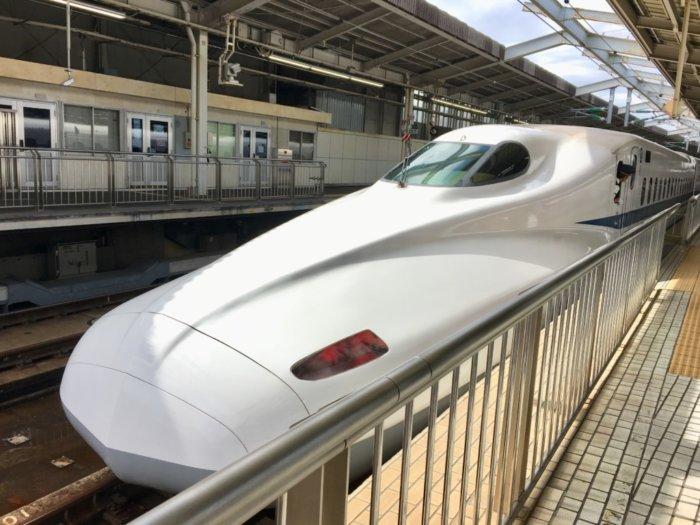 新大阪駅の新幹線のぞみ