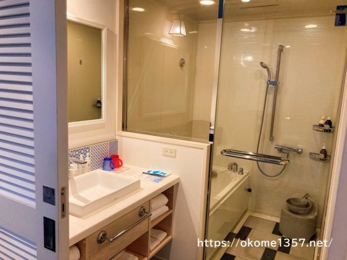 ホテルユニバーサルポートのお風呂、トイレ